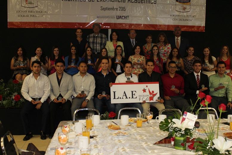 Algunos estudiantes de excelentcia en la carrera LAE
