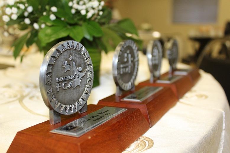 Merecido reconocimiento a los alumnos de excelencia